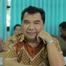 Dr. Ir. Iskandar Lubis, MS